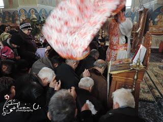 Dezbracarea sfintelor vesminte peste cei bolnavi