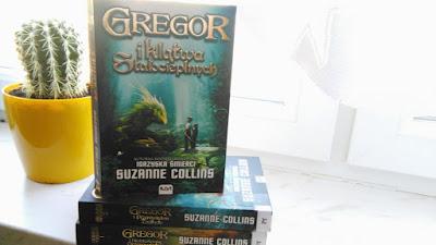 """,,Gregor i klątwa Stałocieplnych"""" Suzanne Collins"""