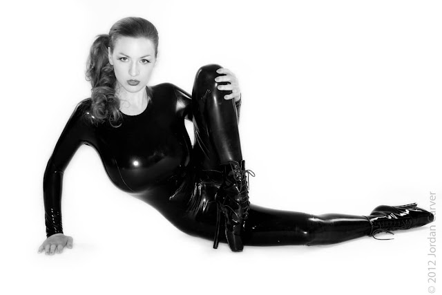 Jordan-Carver-Sandine-Hot-Photoshoot-in-Catsuit-35635