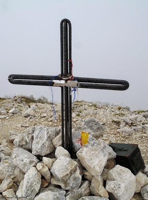 Vetta del Monte Camicia, 2564 m