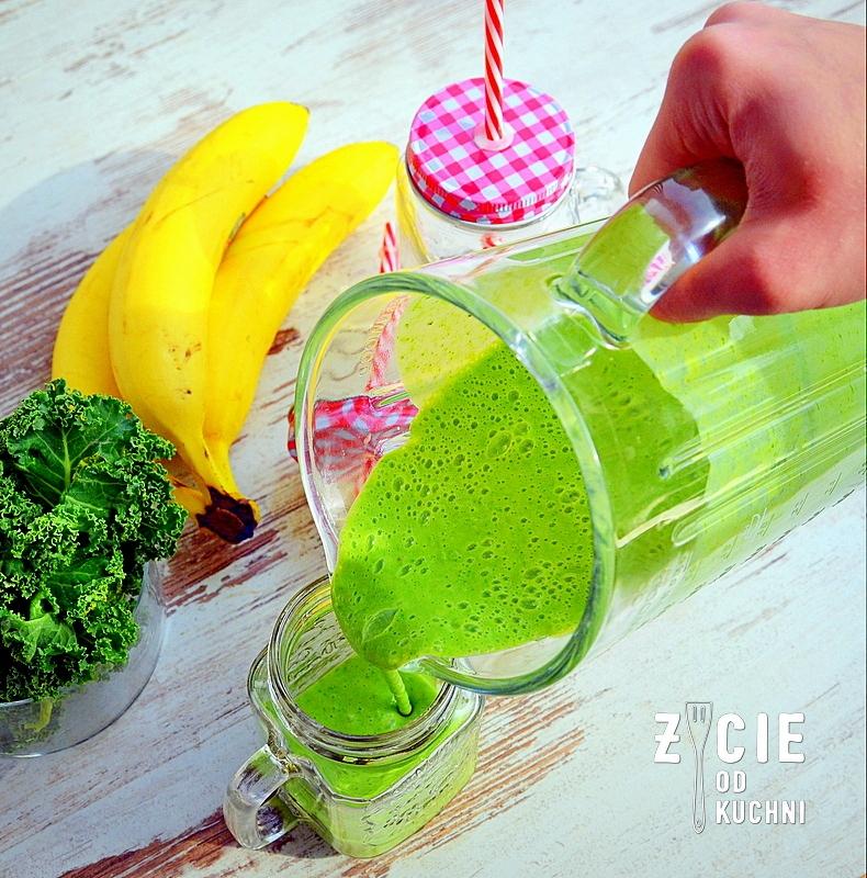 koktajl, fit, zielony, odchudzanie, dieta, smoothie, zielony shake, shake, żywność funkcjonalna, chia, jarmuz, szpinak, maslanka, platki owsiane,zdrowa dieta