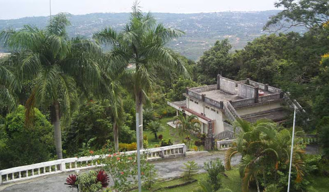 Gunung Menumbing di Bangka Barat