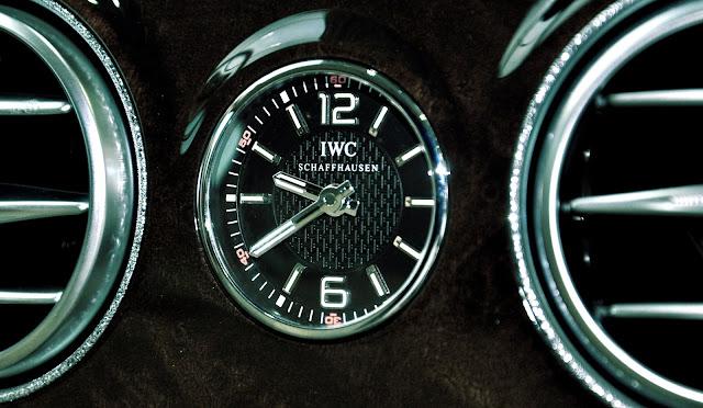 Mercedes Maybach S500 trang bị đồng hồ cao cấp IWC