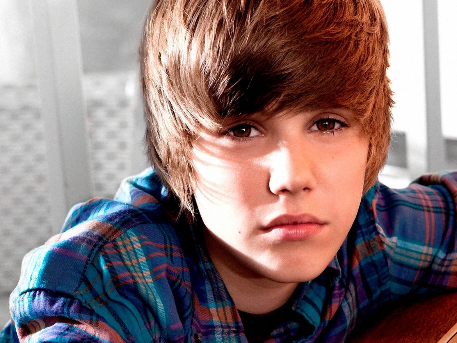 Online Wallpapers Shop: Justin Bieber Pictures