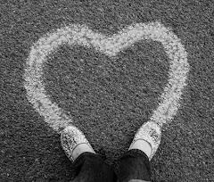 Mengapa Kata Cinta Dianggap Lebay