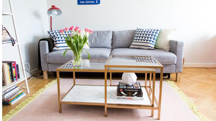 Tinggal di rumah atau apartemen sempit setidaknya akan  memaksa  Anda jadi  mesti ekstra kreatif untuk menata ruangannya. Selain kamar tidur dan dapur 1da3360423