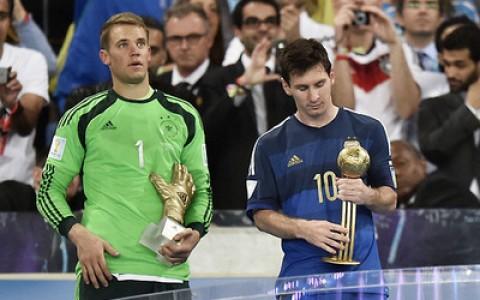 Màn ăn mừng chiến thắng của tuyển Đức với chiếc Cup vô địch WC 2014.