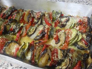 Gratinado de verduras con queso y orégano