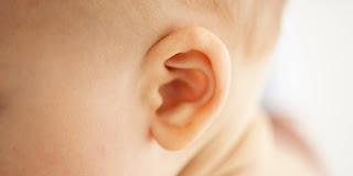 10 Cara Aman Membersihkan Telinga Secara Alami