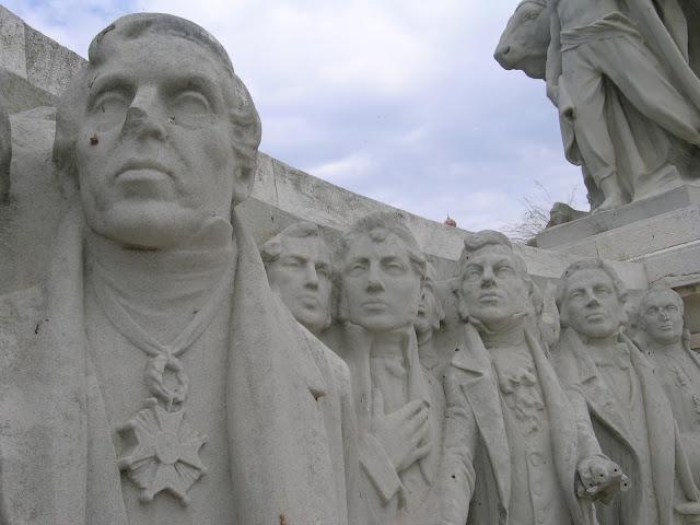 Monumento Cortes