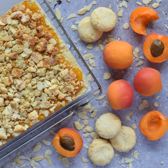 Almond and Apricot Traybake Shortbread recipe