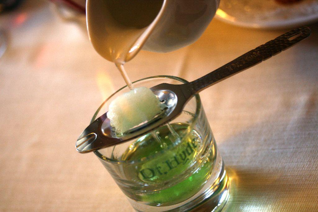 Popolare Ricette cocktail - Il mondo dei Cocktail: Come bere l'assenzio? UZ86