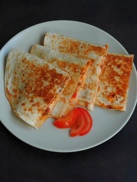 Pizza Quesadillas, fusion pizzadillas