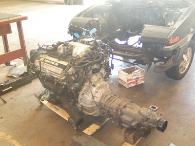 1UZFE 4.0 V8 out of a Lexus LS400. Mated to a Supra MK3 W5x gearbox.