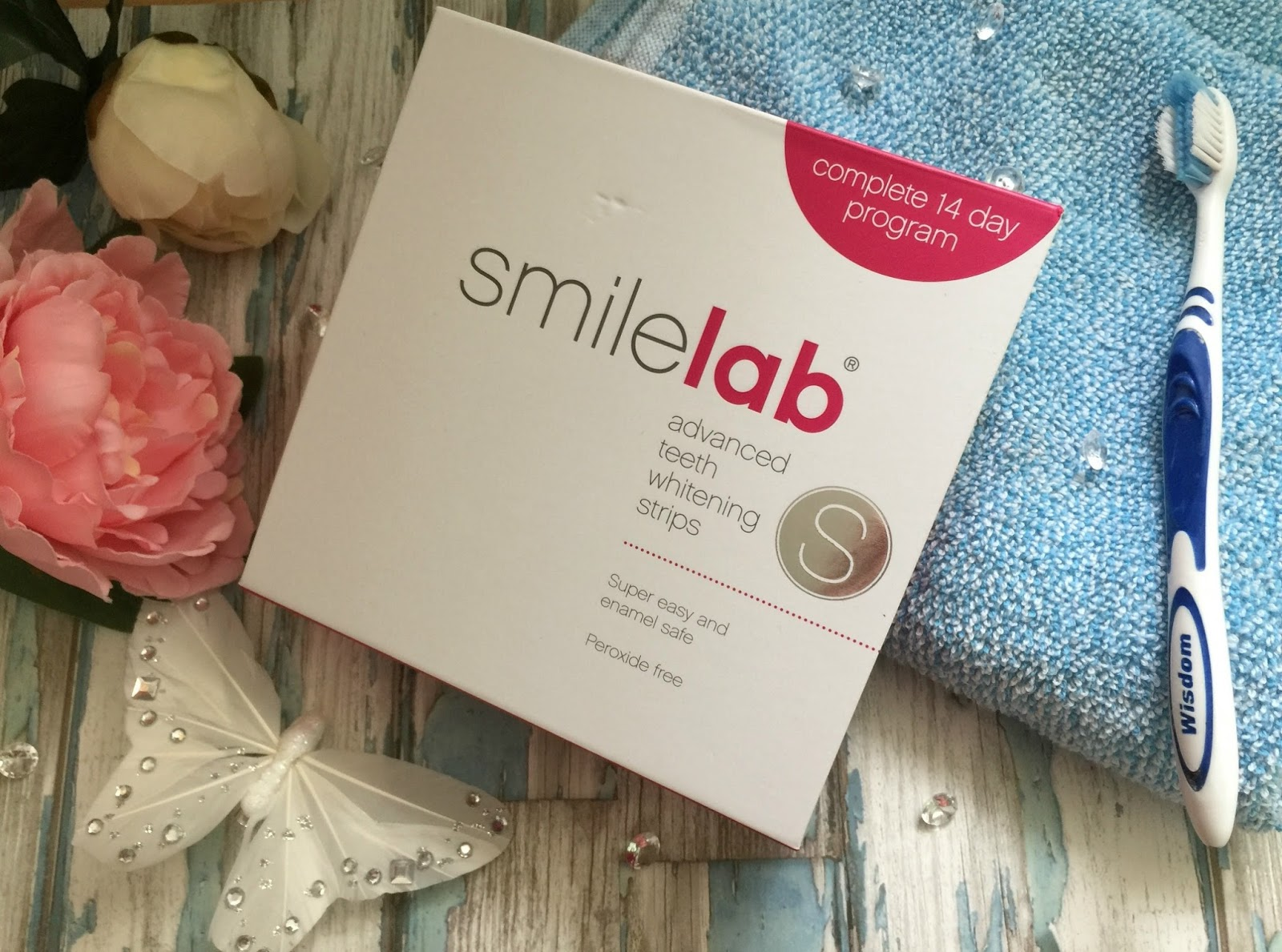 get a blinding white smile with smilelab
