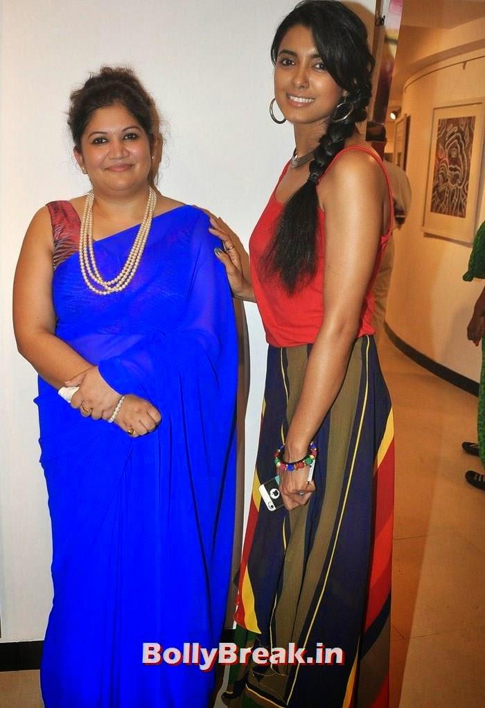 Seema Chaudhary, Richa Sony, Tia Bajpai, Richa Sony Pics from Exhibition