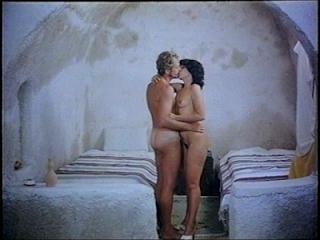 Anomaloi erotes sti Santorini (1983)