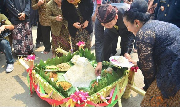 Tradisi Suran Di Kabupaten Banyumas