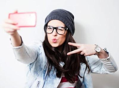 gaya foto selfie kekinian terbaru