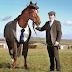 Kuda Pakai Jas Bukan Hal yang Aneh Lagi Sekarang, Sudah Dibuat Untuk Umum