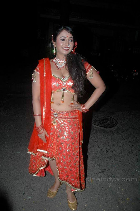 Latest Movies Gallery Bhojpuri Hot Item Girl Cleavage Navel  Event Pics-8254