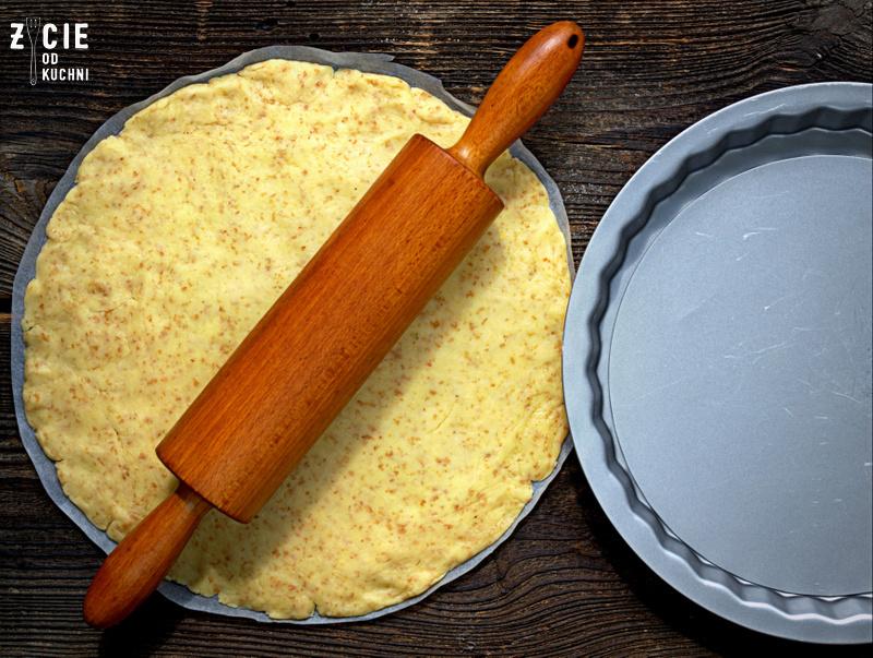 forma na tarte, tarta, pstrag ojcowski, tarta z wedzona ryba, tarta wytrawna, tarta ze szparagami, tarta z zielonym groszkiem, przepisy z wedzona ryba, przepisy z pstragiem ojcowskim, blog zycie od kuchni, zycie od kuchni