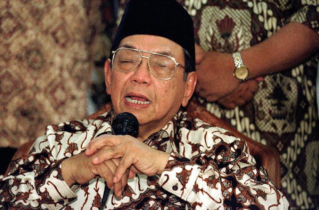Meneladani Kesabaran Gus Dur saat Disabotase Rezim Orde Baru