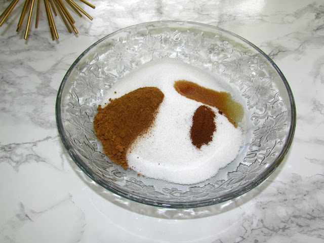 How To Avoid Dry Skin and Easy DIY Pumpkin Spice Body Scrub