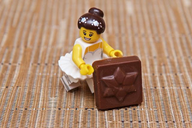 Lego - Advent Calendar - Calendrier de l'Avent - Lego - Danseuse - Dancing girl - Chocolat au lait