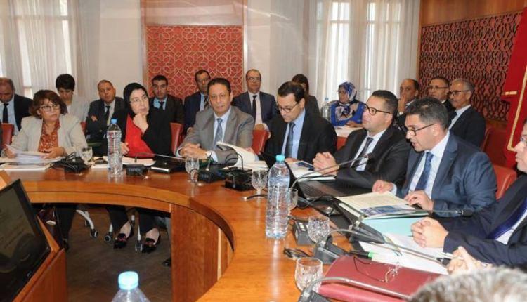 """الفرق البرلمانية تتفق على اسقاط بند """"التوظيف بالتعاقد"""" من مشروع القانون الإطار"""
