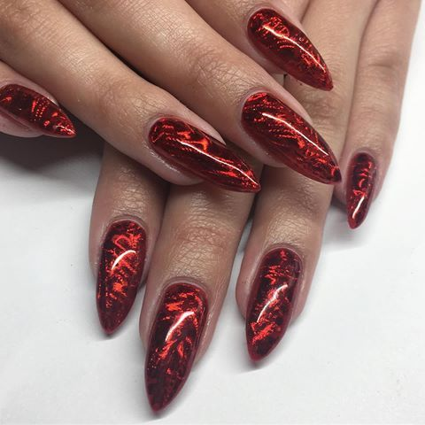 cool red nail design idea to copy right now