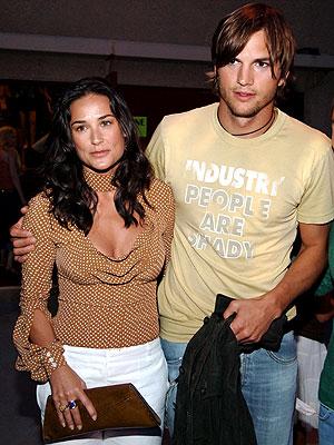 who ashton kutcher dating 2012