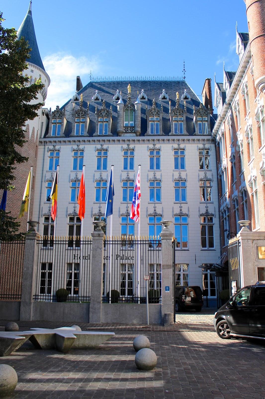 Travel blogger photography of Hotel Dukes' Palace