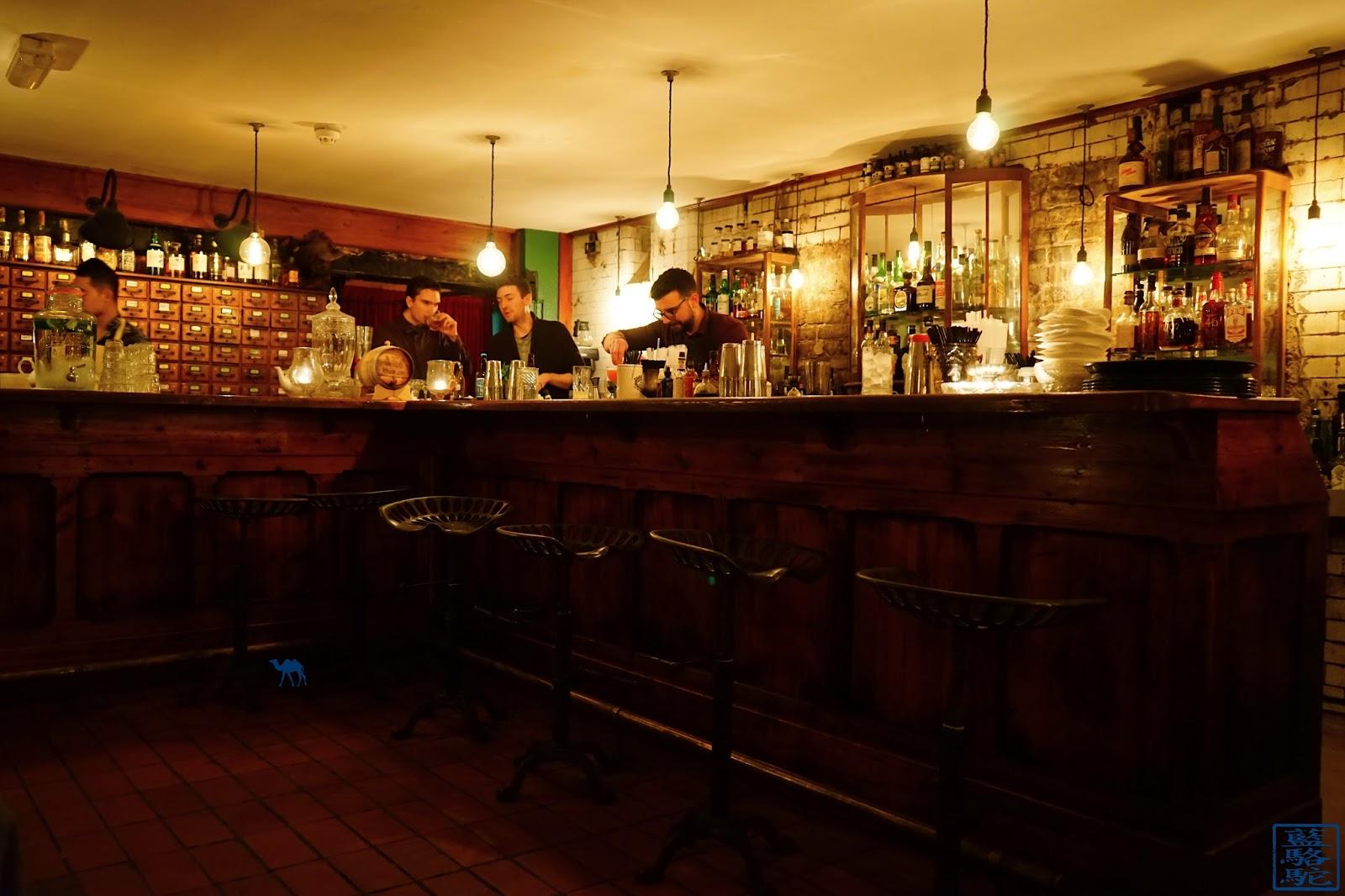 Le Chameau Bleu - Bar d'Evans and Peel