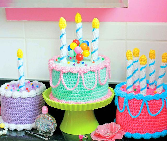 Birthday Cake Toilet Paper Cozy crochet pattern