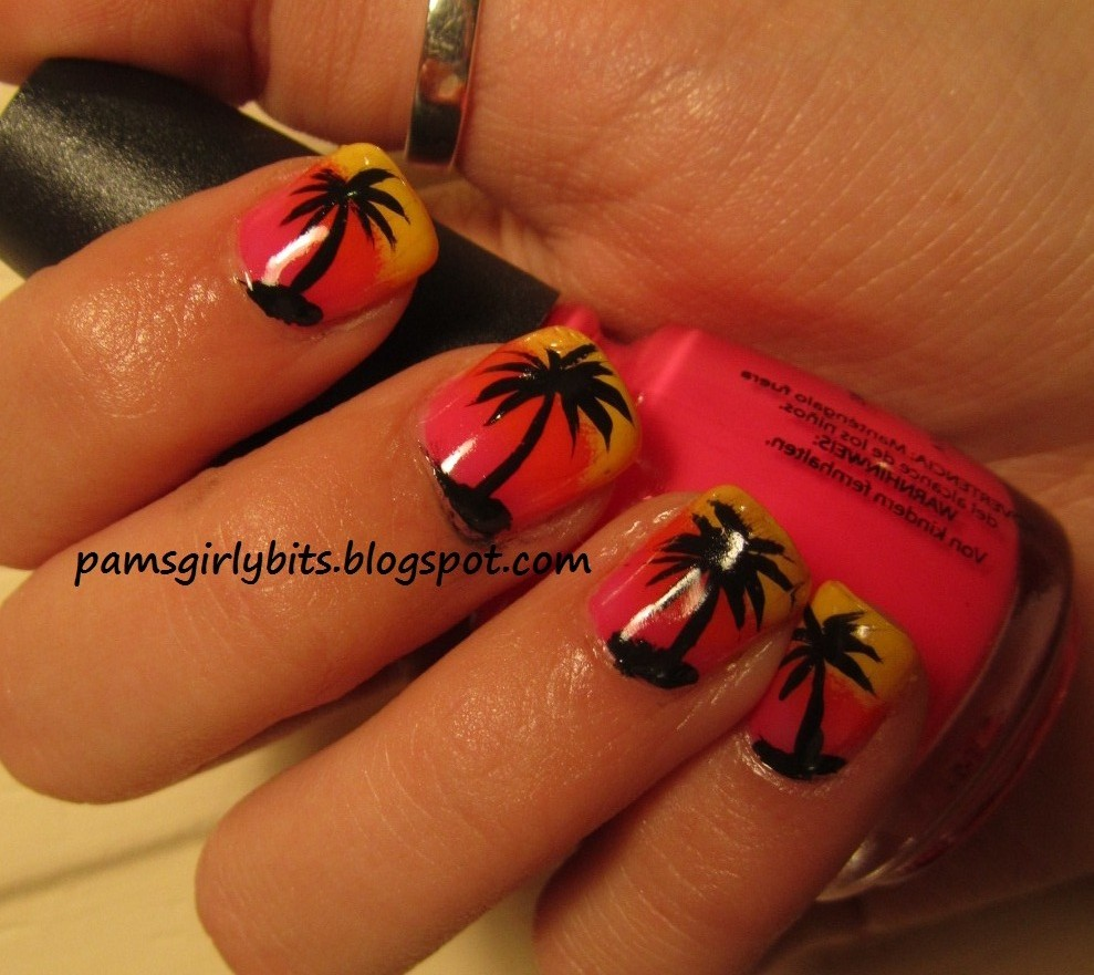 Girly Nail Art: Girly Bits: The Photo That Went Viral:: Palm Tree Nail Art