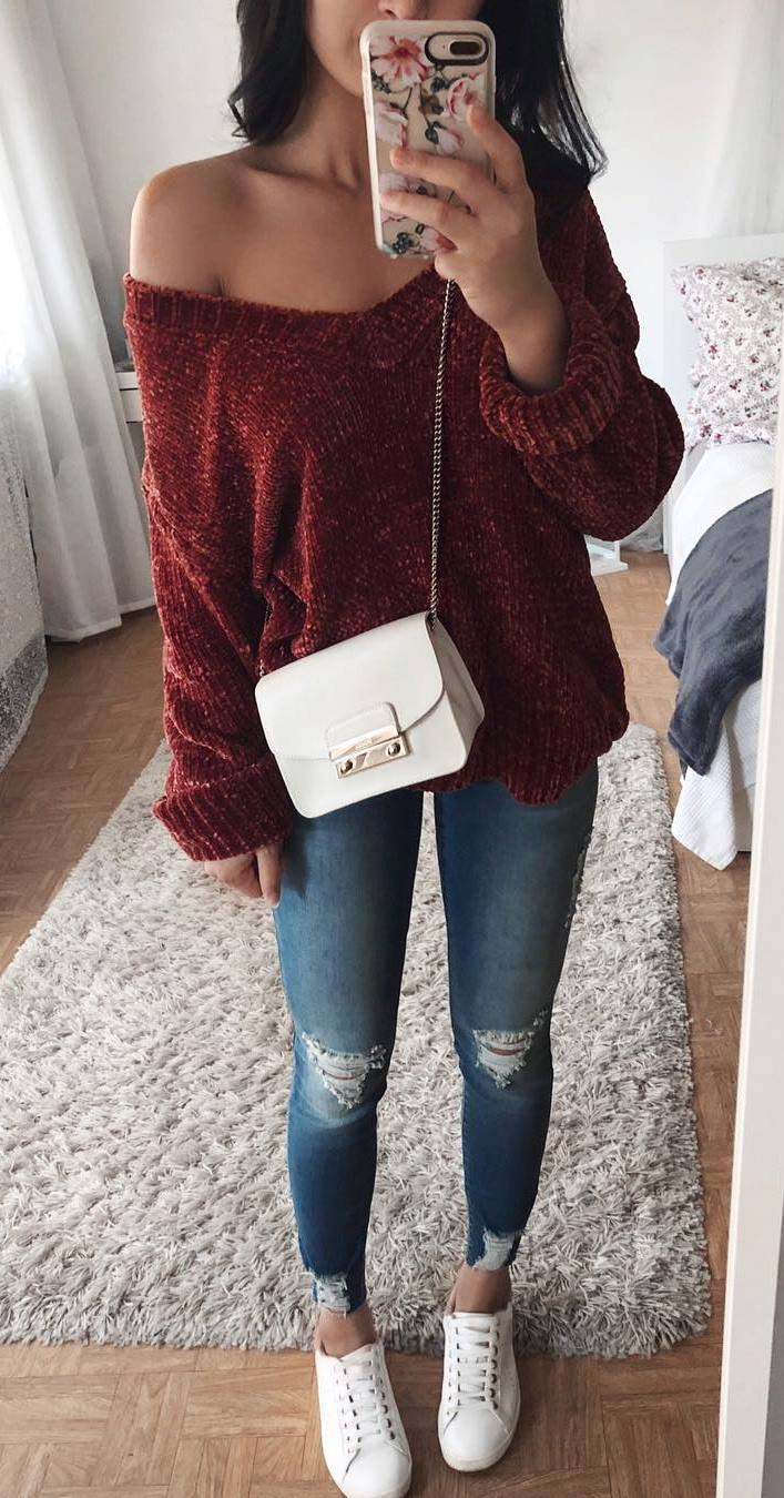 casual style obsession / ripped jeans + bag + sweater + sneakers