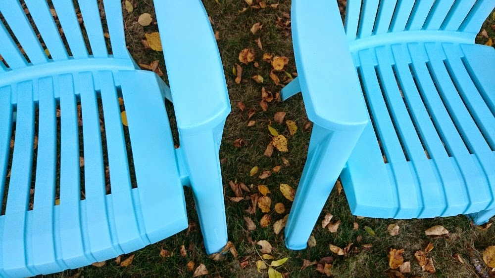 How To Paint Plastic Chairs Accent Chair With Wood Arms Spray Lawn Dans Le Lakehouse Can You