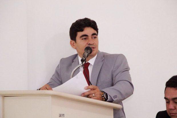 http://www.blogdofelipeandrade.com.br/2017/05/presidente-da-camara-de-conde-se.html