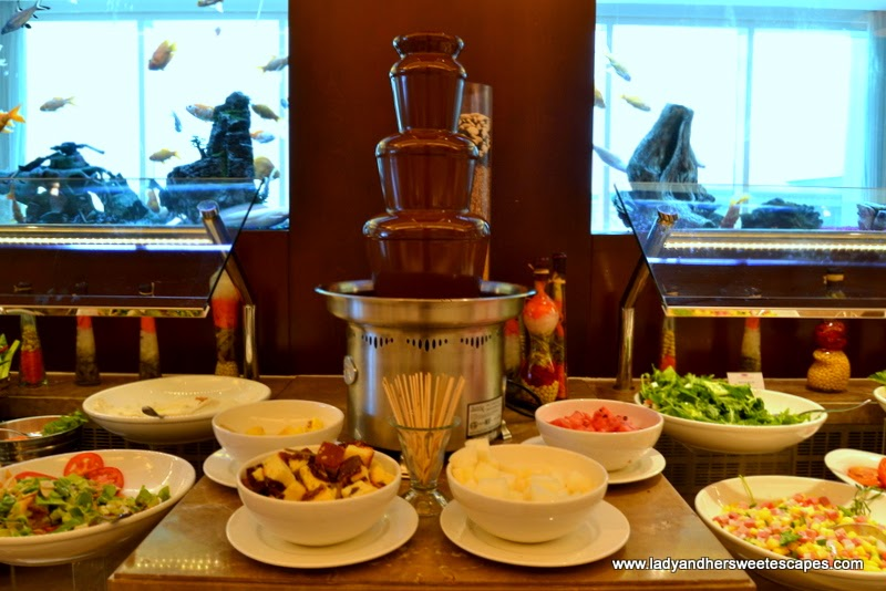 Fondue station at Al Murjan in Oceanic Hotel