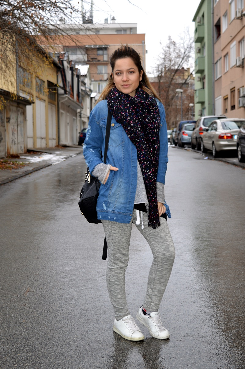 long denim jacket casual outfit