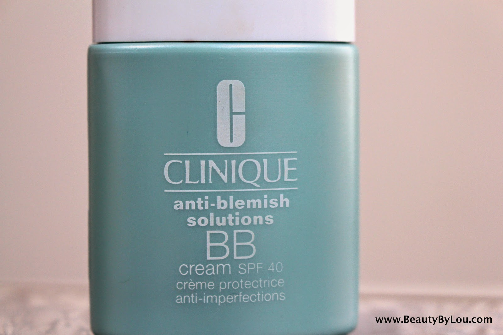 http://www.beautybylou.com/2015/04/revue-application-bb-creme-blemish-solutions-clinique.html