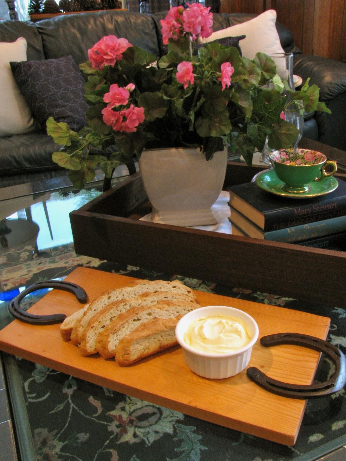 May Days Diy Horseshoe Handle Bread Board