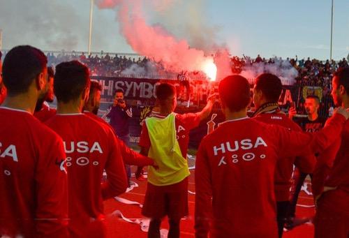 """أولاد برحيل 24 Ouled berhil - """"إيمازيغن"""" يُزيّن جنبات ملعب """"الإنبعاث"""" احتفالا بلاعبي الحسنية بعد فترة الراحة الشتوية"""