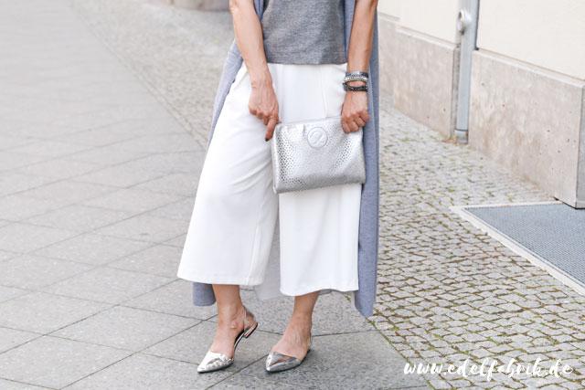 die Edelfabrik, Look, weiße Culottes, silberne Schuhe von C&A