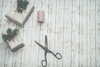 Cara Membungkus Kado Untuk Hadiah Ulang Tahun