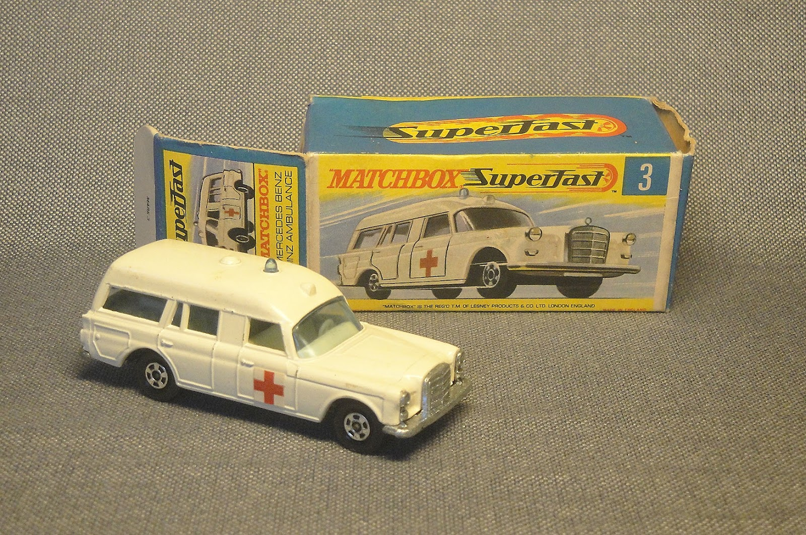 Archivo de autos: Ambulancia Mercedes Superfast