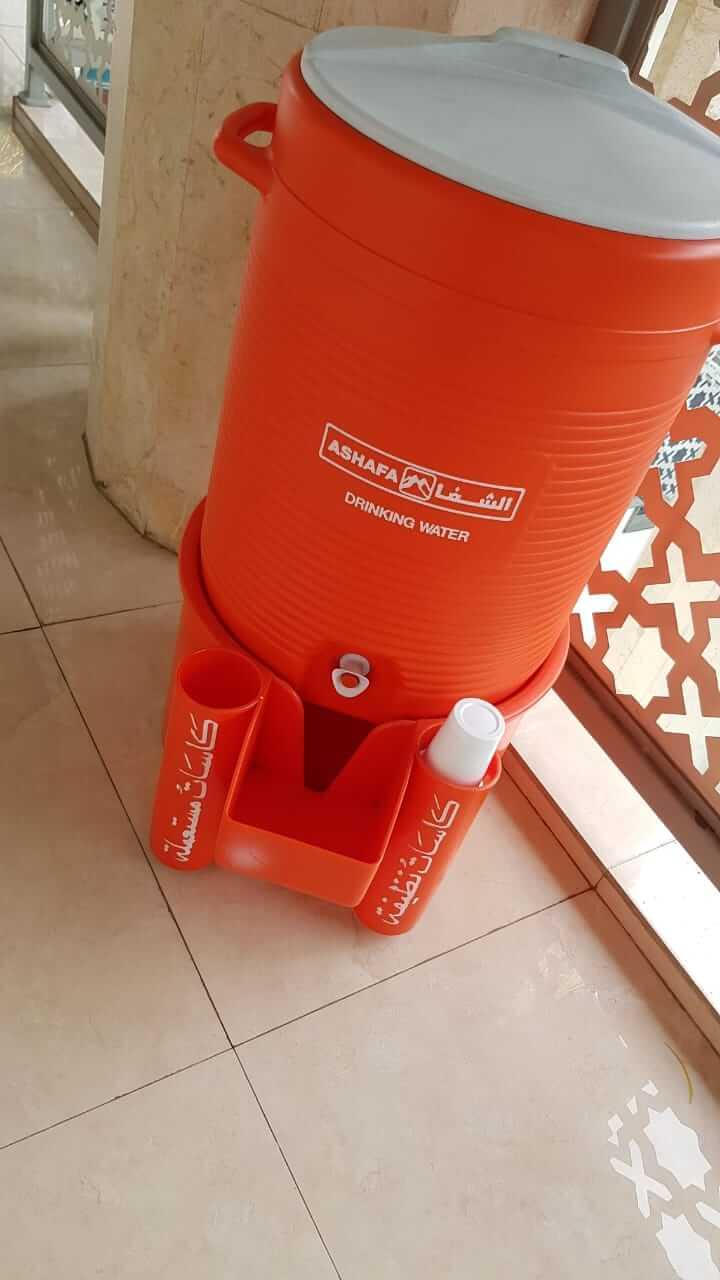Dispenser air mirip dispenser Zamzam di Masjid Nabawi