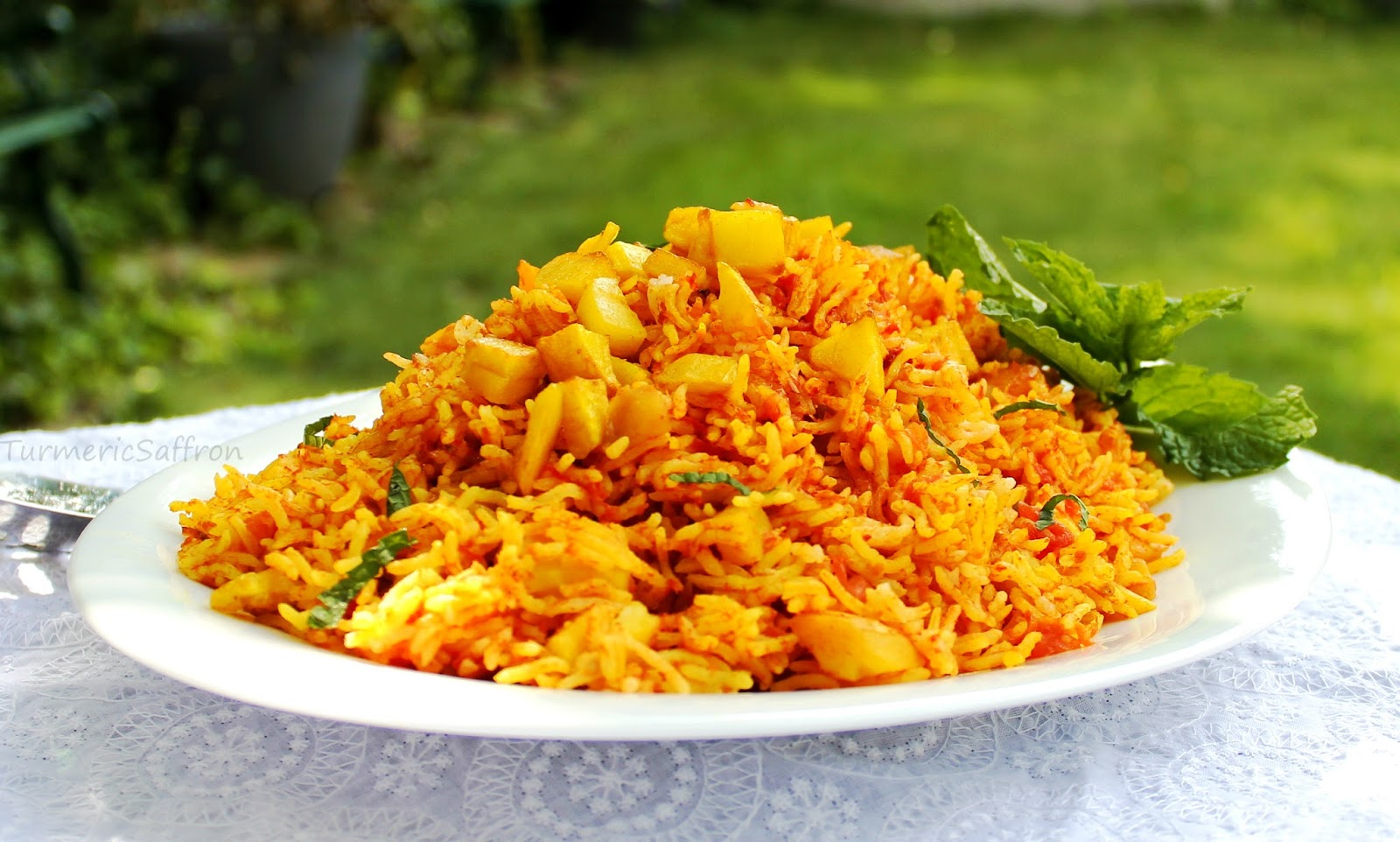 Turmeric saffron estamboli polow persian tomato rice with potatoes - Potatoes choose depending food want prepare ...