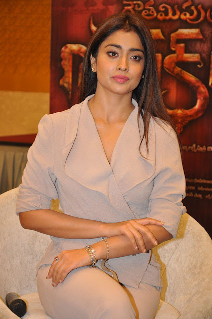 Shriya Saran GautamiPutra Satakarni Promotions Photos